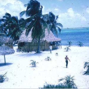 Paradise-Hotel-Bar-Ambergris-Caye-1972